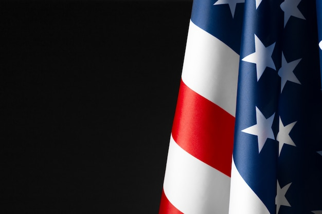 Vintage amerikanische flagge auf tafel mit platz für text