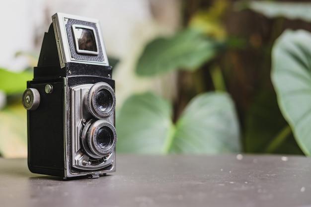 Vintage analoge kamerasammlung in klassischer technologie der fotografie