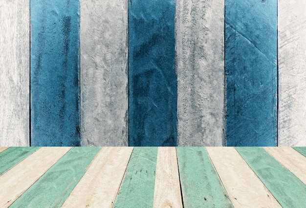 Vintage blaue und weiße hölzerne tafelmontage, displaydesignhintergrund