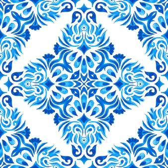 Vintage damast nahtlose azulejo dutch tile ornamental aquarell arabeske designmuster für stoff. elegante luxus handgezeichnete textur für tapeten, hintergründe und seitenfüllung blau und weiß