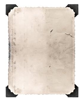Vintage foto mit ecke isoliert auf weißem hintergrund. gealtertes papier