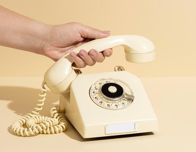 Vintage gelbe telefonanordnung