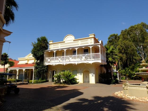 Vintage-haus in gold reef city, johannesburg, südafrika
