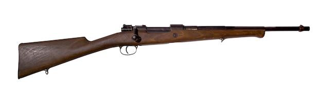 Vintage jagdgewehr, umgebaut aus einem armeekarabiner, auf weißem hintergrund