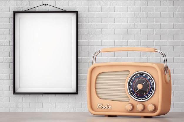 Vintage radio vor backsteinmauer mit blank frame extreme nahaufnahme