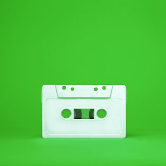 Vintage weiße audio-kassettenhahn. alte kassette. kassette.
