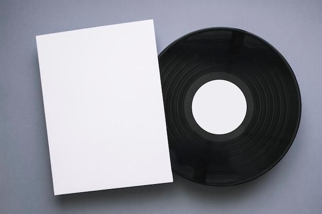 Vinyl-mockup mit seite