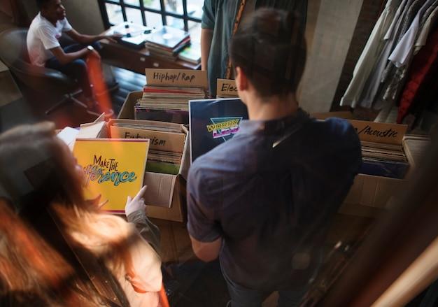 Vinylaufzeichnungs-speicher-musik-einkaufen oldschool-klassiker-konzept