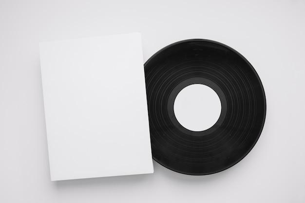 Vinylmodell mit blatt