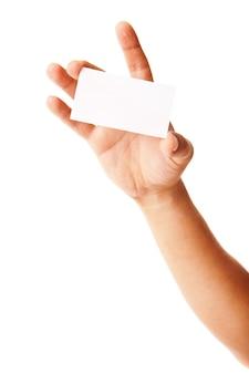 Visitenkarte in der hand des mannes auf weiß