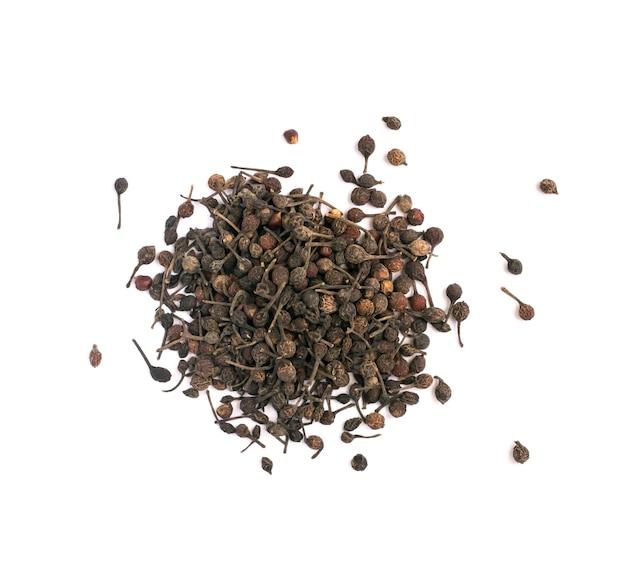 Voatsiperifery pipper oder piper bourbonense. madagaskar pfeffer isoliert