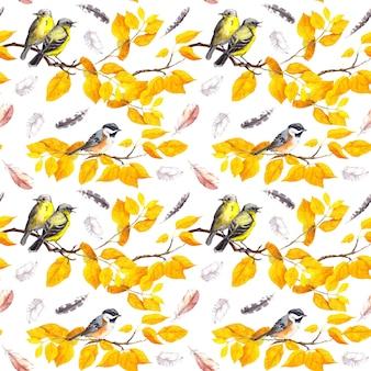 Vögel auf herbstzweigen mit abctract gelben blättern, fallenden federn. dekoratives nahtloses muster. aquarell