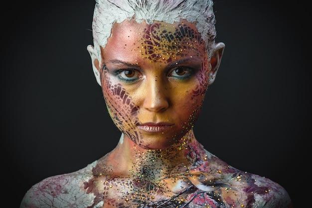 Vogel-mädchen-fantasie-make-up