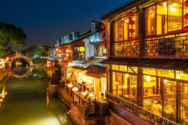 Volkshäuser und flüsse in der altstadt von zhouzhuang