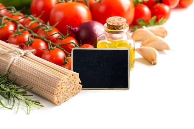 Vollkornspaghetti, gemüse und olivenöl