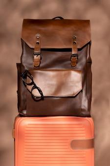 Vorbereitetes gepäck und rucksack