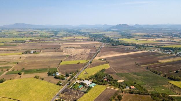 Vorbereitung der anbaugebiete für zuckerrohr