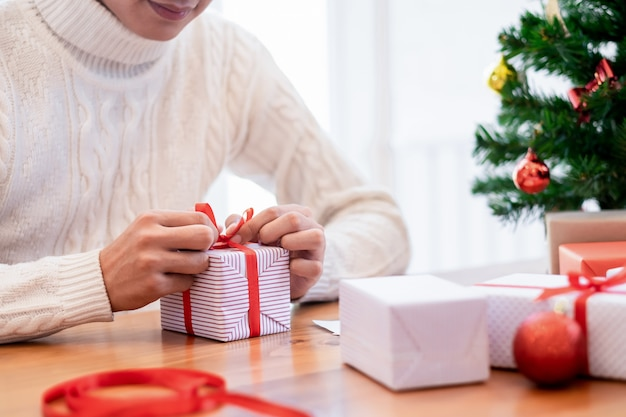 Vorbereitungen für weihnachten und neujahr.
