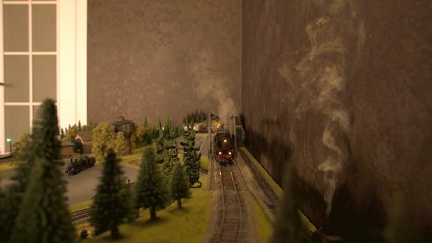 Vorderansicht der dampflokomotive.