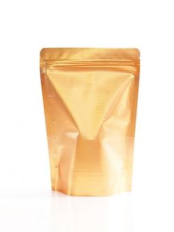 Vorderansicht der goldenen lebensmittelfolienverpackung mit reißverschluss