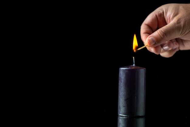 Vorderansicht der männlichen handbeleuchtung schwarz