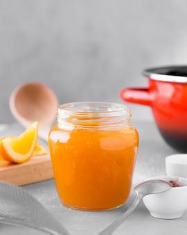 Vorderansicht der orange marmelade im glas