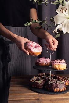 Vorderansicht des köstlichen donutkonzepts