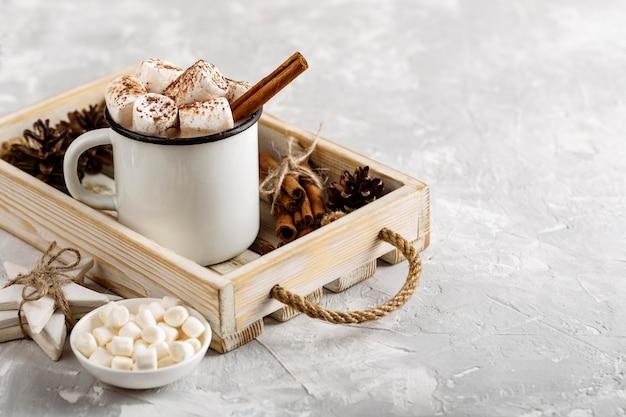 Vorderansicht des konzepts der heißen schokolade