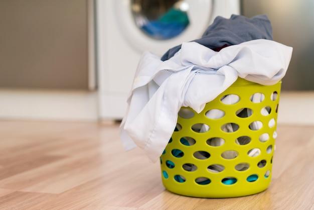 Vorderansicht des wäschekorbs