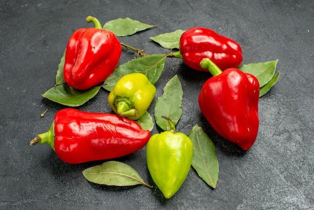 Vorderansicht frische paprika