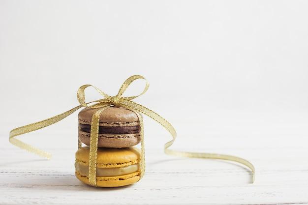 Vorderansicht gebundene macarons