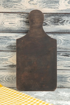 Vorderansicht holzschreibtisch auf grauem hintergrund holzschreibtischfarbe