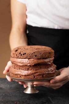 Vorderansicht schokoladenkuchenanordnung
