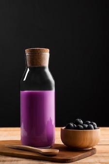 Vorderansicht smoothie mit blaubeeren
