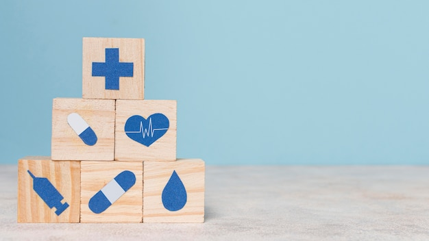 Vorderansicht sortiment von medizinischen stilllebenelementen