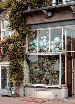 Vorderansicht vintage schaufenster