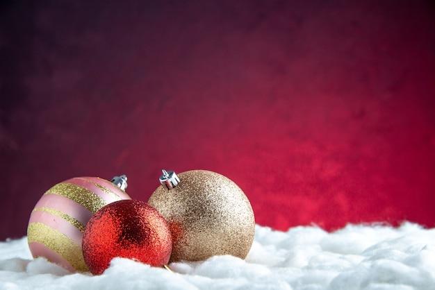 Vorderansicht weihnachtsbaumkugeln