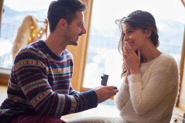 Vorschlag an einem romantischen ort