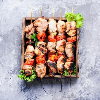 Vorspeise kebab, gegrilltes fleisch