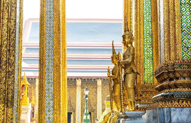 Wachen des wat po tempels