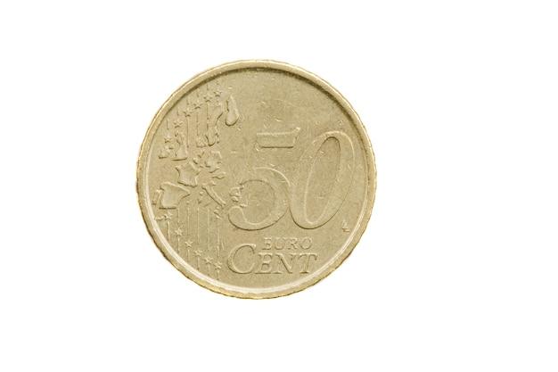 Währung von fünfzig cent von euros auf einem über weißem hintergrund