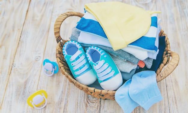 Wäsche waschen, wäsche an der frischen luft trocknen