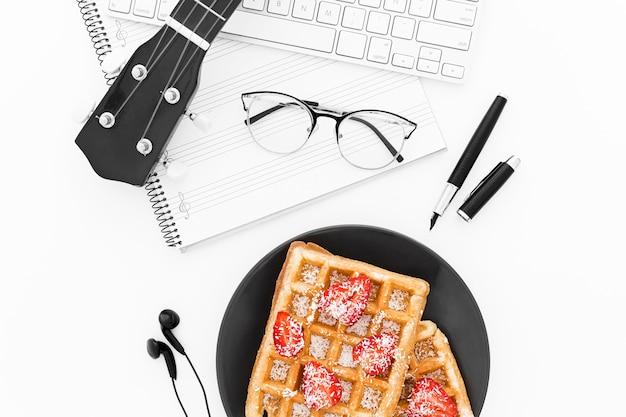 Waffeln zum frühstück im büro