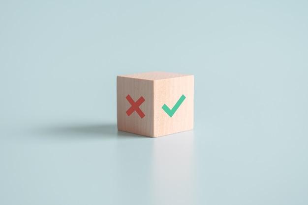 Wahre und falsche symbole akzeptieren zur bewertung abgelehnt