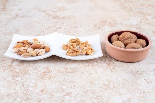 Walnüsse, mandeln und pistazien