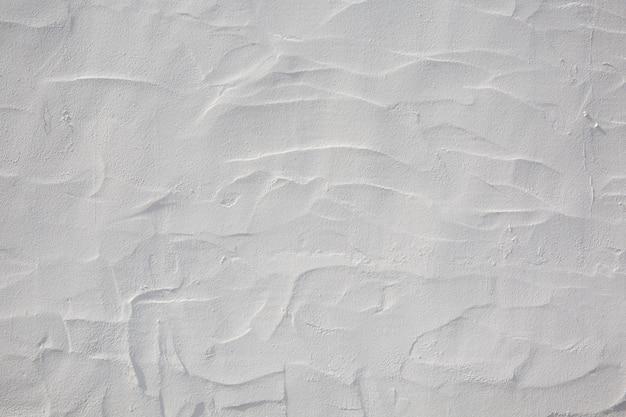 Wand gemalt mit weißem kalk