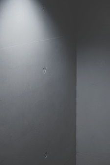 Wandbetonecke mit künstlichem licht