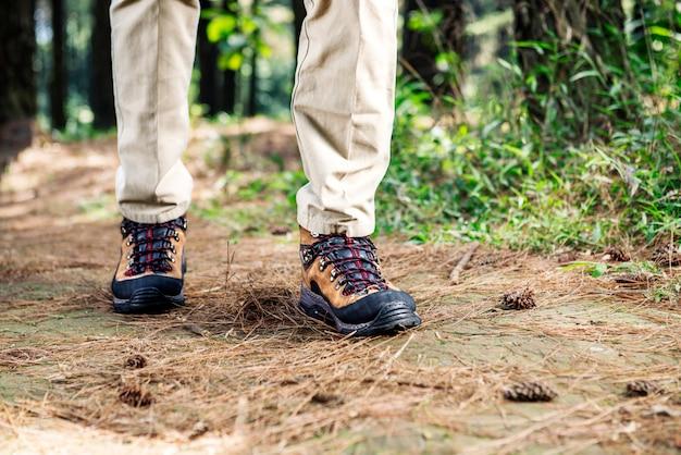 Wanderermann mit dem stiefelgehen