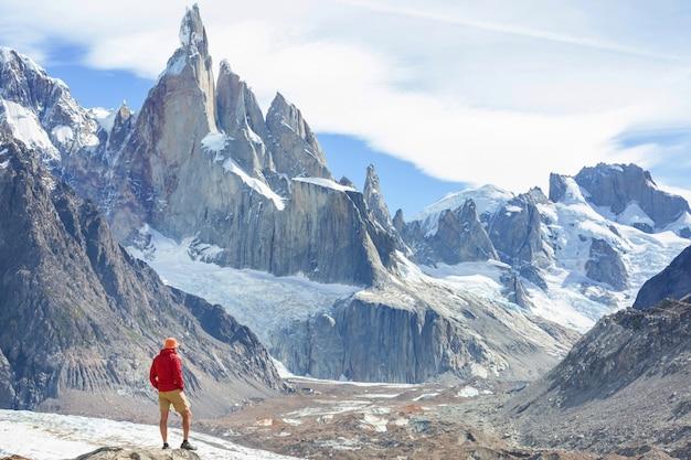 Wanderung in den patagonischen bergen, argentinien