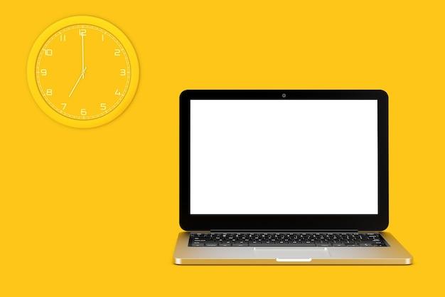 Wanduhr und laptop-computer mit leerem bildschirm für ihr design auf gelbem hintergrund. 3d-rendering